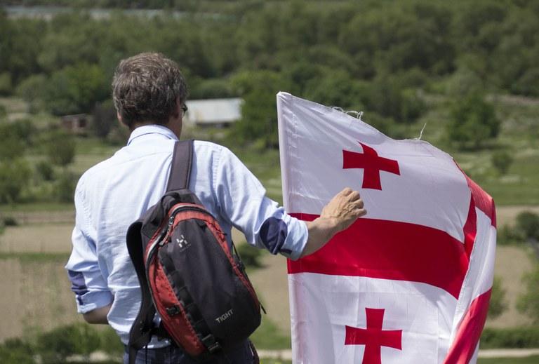 Dozent blickt auf Südossetien