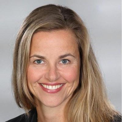 Dr. Nora Knötig