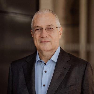 Prof. Dr. Udo Helmbrecht