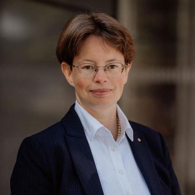 Dr. Corinna Schmitt