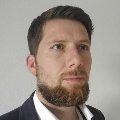 Dr. Tobias Uhlig