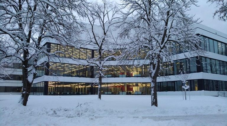 Universitätsbibliothek: auch im Winter für Sie da
