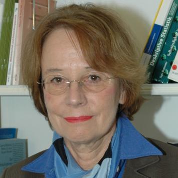 Prof. Dr. rer. pol. Eva Lang