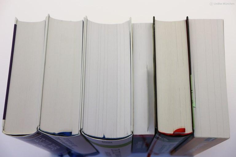 Skripte und Bücher