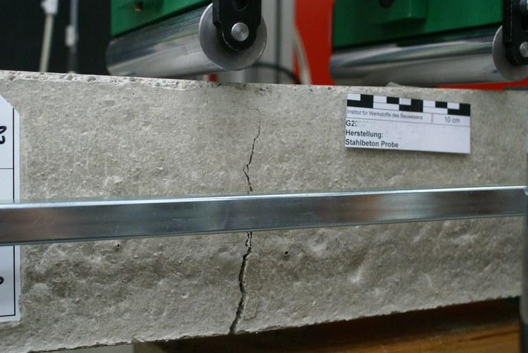 Gerissener Stahlfaserbetonbalken