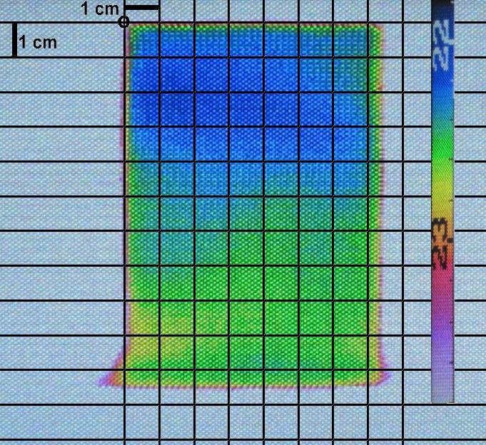 Bild eines Betonprobekörpers, in den Hexan bis zu 7 cm eingedrungen ist