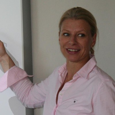 Univ.-Prof.'in Dr. rer. pol. Sandra Praxmarer-Carus